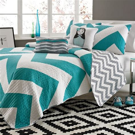 cadiz 4 5 piece quilt set bed bath beyond love this