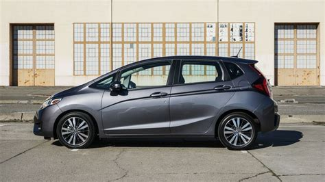 Vania Onde Fit L 2015 honda fit ex l review no car is more aptly named than the 2015 honda fit roadshow