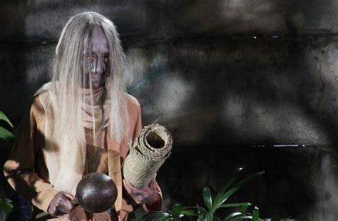 sinopsis film horor nenek gayung nikita mirzani bintangi film horor nenek gayung