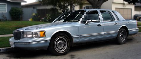 books about how cars work 1990 lincoln town car seat position control file lincoln town car 1990 jpg wikimedia commons