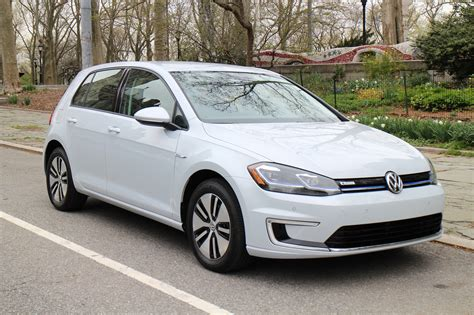 volkswagen  golf  drive  updated  mile electric car