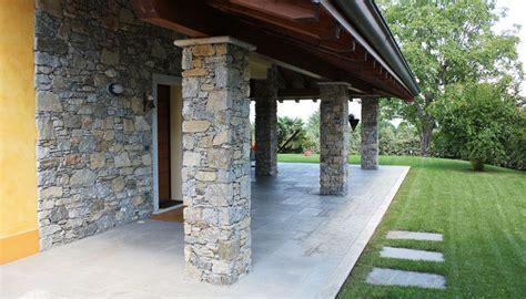 muri rivestiti in legno rivestimento muri pareti pilastri camini in sasso e