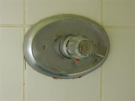 mischbatterie badewanne reparieren fishzero aufputz armatur dusche grohe verschiedene