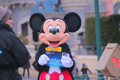 disneyland mickey new look mickey mouse spotted in disneyland 25th