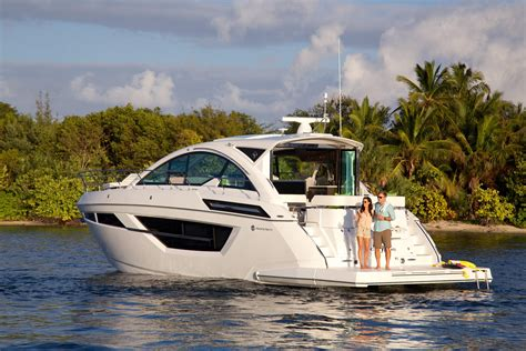 ft cruisers yachts  cantius executive yacht canada