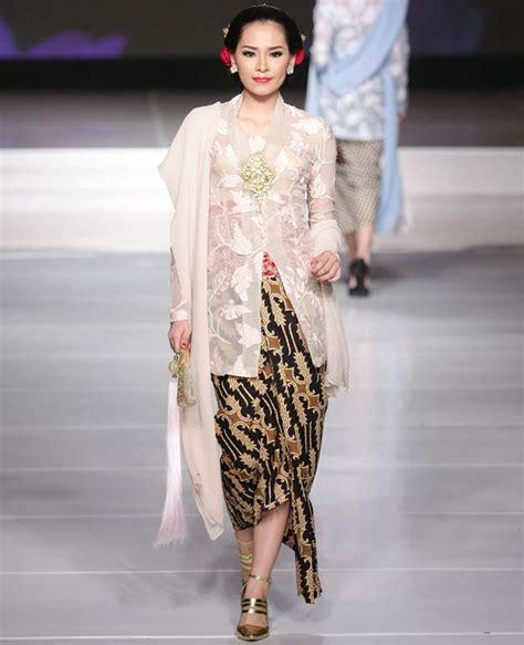 Obi Beludru 50 inspirasi model kebaya