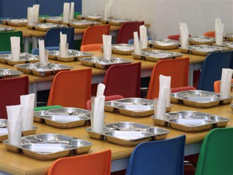 becas comedor escolar publicaci 243 n en el bop de las bases que regir 225 n las ayudas