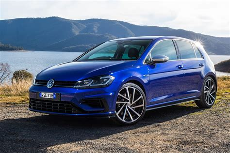 volkswagen gti blue 2017 2017 vw golf r performance hatchback volkswagen 2018