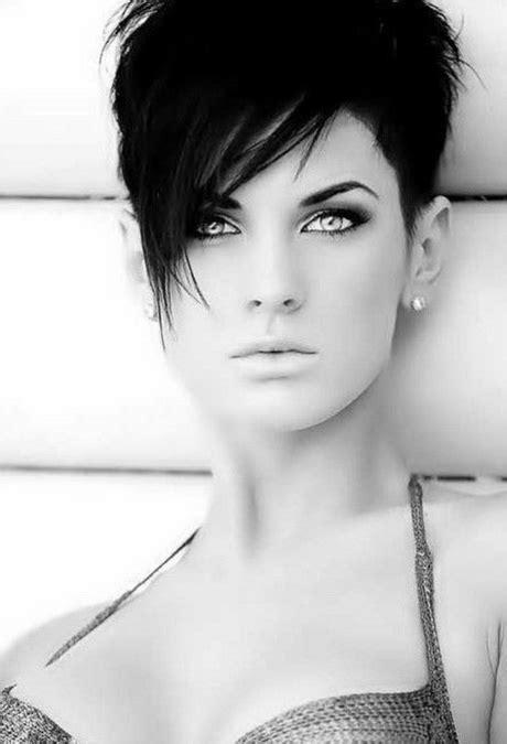 kurze schwarze haare