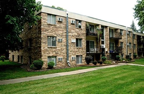 2 bedroom apartments rochester mn winchester apartments rentals rochester mn apartments com