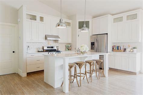 cucine in legno moderne e cucine bianche moderne con inserti in legno le nuove