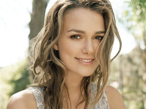 Keira Knightley Refuses To Smile by Keira Knightley Has The Most Awkward Yet Endearing Smile