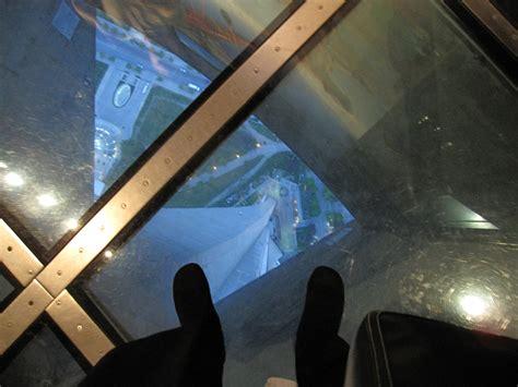 glass floor cn tower glass floor www pixshark com images galleries
