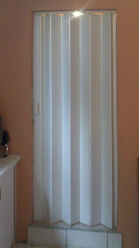 Accordion Bathroom Door by Folding Doors Accordion Folding Doors Bathroom