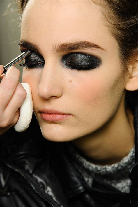 makeup beauty runway smudgy eye at chanel 2013