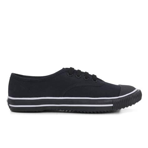bata tennis shoe black
