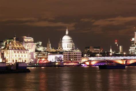 Thames River Cruise London Night | london by night evening thames river cruise