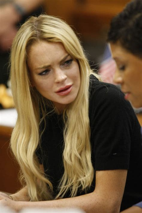 lindsay lohan biography lindsay lohan biography birth date birth place and pictures