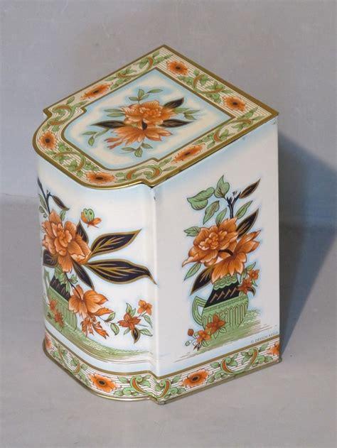 decorative tea tins 165 best images about pretty vintage tins on