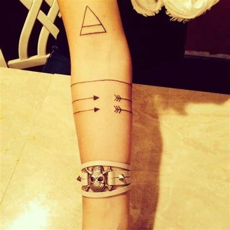 wrap around forearm tattoos best 25 arrow arm ideas on arrow
