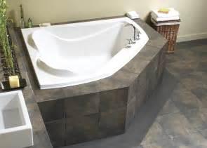 Bathtub Built For Two Create A Romantic Scenery By Enjoying Bath Session On