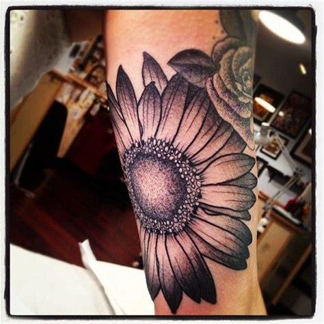 black and grey daisy tattoos black and gray gerbera daisy tattoo tattoos pinterest