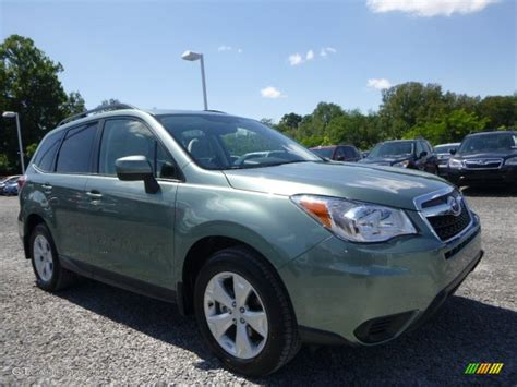 green subaru forester 2015 2015 green metallic subaru forester 2 5i premium