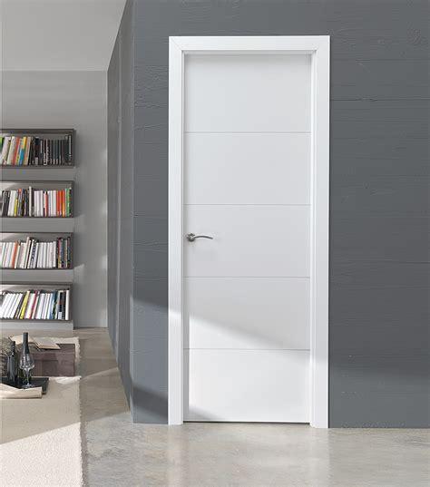 puerta blanca lucerna lm