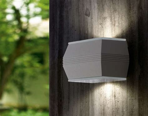 applique led da esterno illuminazione per il giardino e per il terrazzo foto