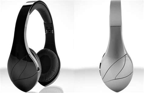 best ear headphones 2013 the 10 best headphones of ces 2013