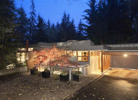 I Vant To Buy Your House Twilight New Moon Cullen House For Sale | if it s hip it s here archives i vant to buy your
