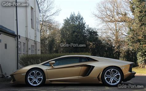 gold lamborghini wallpaper black and gold lamborghini 23 background wallpaper