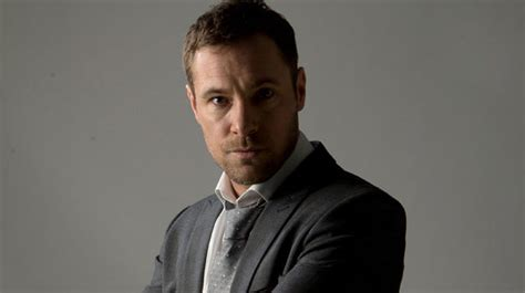 coronation rob donovan set to coronation s marc baylis pleased rob is revealed as killer tv entertainment