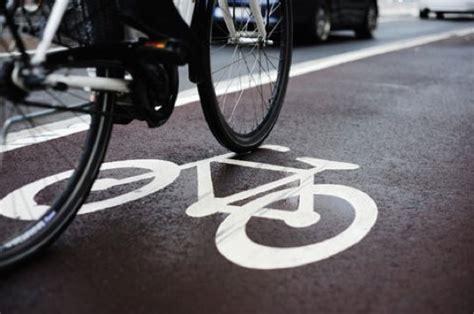 pedalare pedalare ebook chi si muove in bicicletta ha una marcia in pi 249