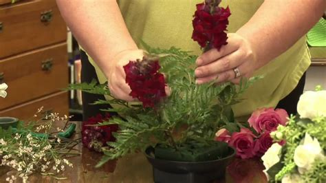 how to make a floral arrangement floral arrangements how to make a dining table floral