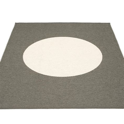 pappelina rugs pappelina vera one large rug charcoal hus hem