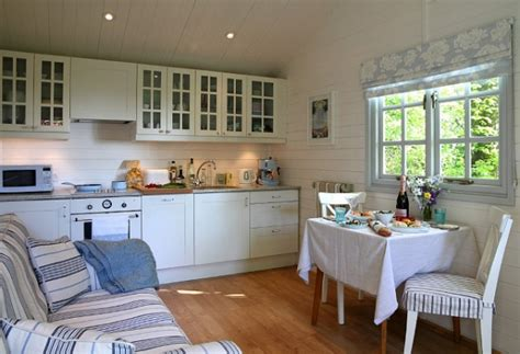 Wonderful Small House on The Isle of Wight ? Adorable Home