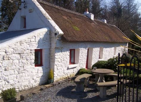 County Kerry Thatched Cottage With Hot Tub Vrbo Cottages In Ireland With Tub