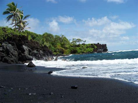 black sand beach in maui wow pinterest black sands beach maui hawaii nature and beauty