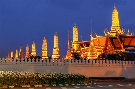 time  year  visit thailand visual itineraries