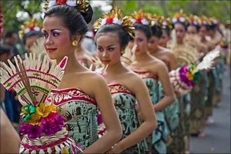 festival painting di bali penggemar wisata budaya wajib datang ke festival berikut ini