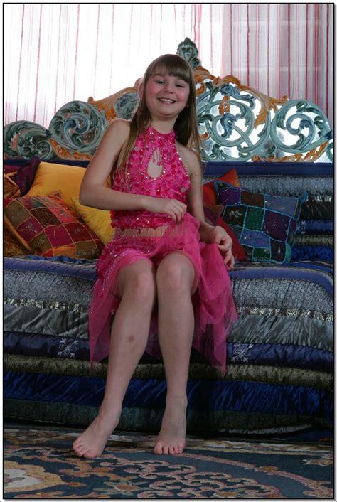 lane model lane model tv pinkskirt 059 modelblog