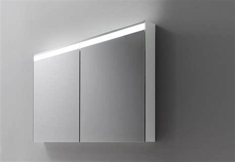 spiegelschrank leuchte talsee led spiegelschrank level mit ausgekl 252 gelter leuchte