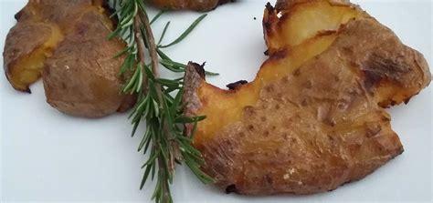 cucinare le patate con la buccia patate intere al forno con buccia gustose e facili