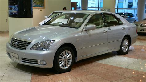 toyota crown toyota crown is the best for buck luxury saloon in