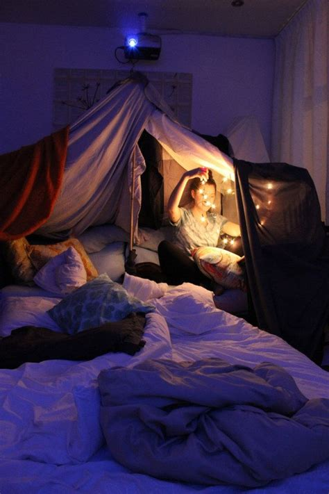 Pillow Blanket Fort by 1000 Ideas About Blanket Forts On Forts
