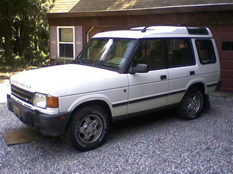 service and repair manuals 1995 land rover discovery lane departure warning 1995 land rover discovery service repair manual download dow