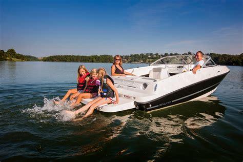 wakeboard boat vs bowrider new bayliner 175 bayliner bowrider 175 bayliner 175