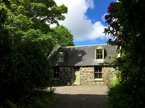 Dunvegan Castle Cottages by Gardens Cottage Dunvegan