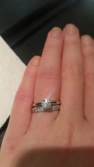 pics solitaire e ring with plain wedding band